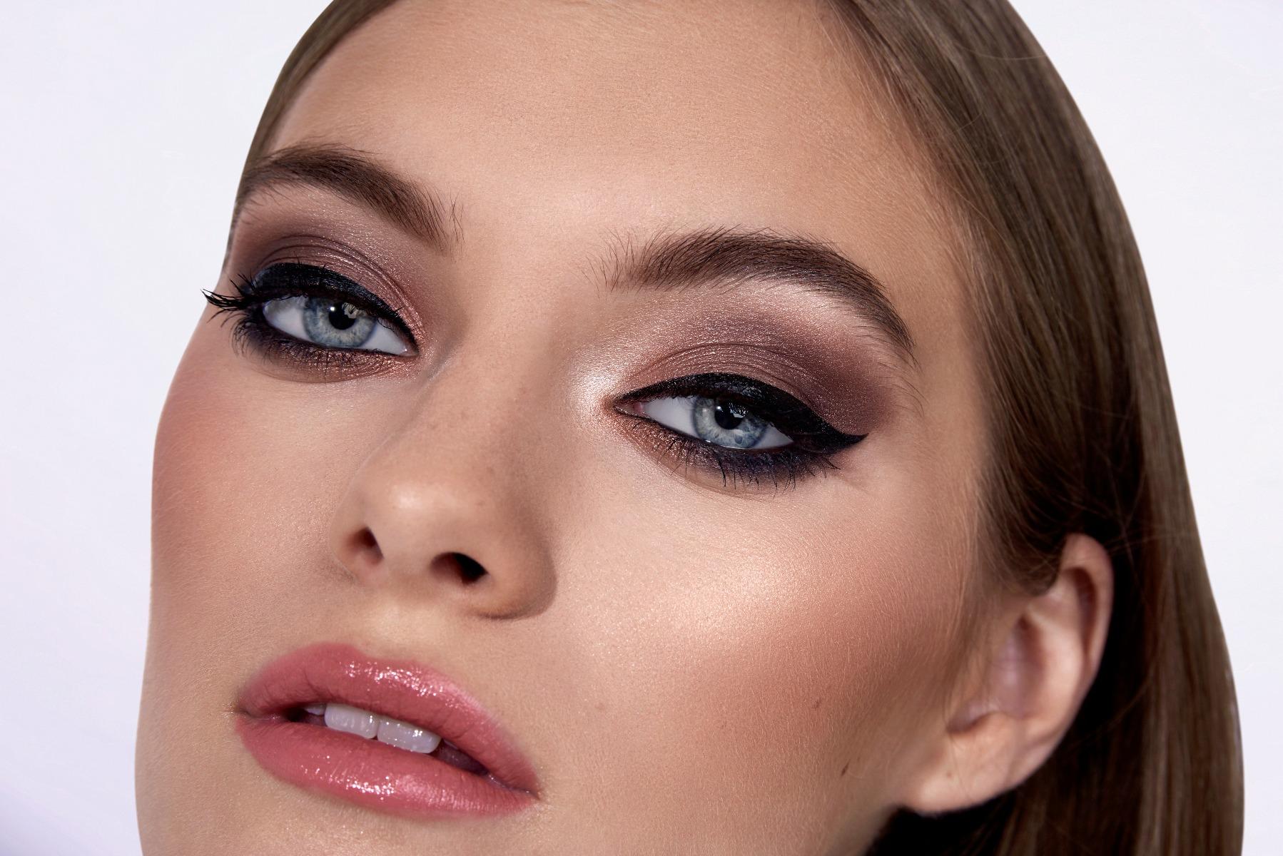 Eyeshadow Look for Blue Eyes