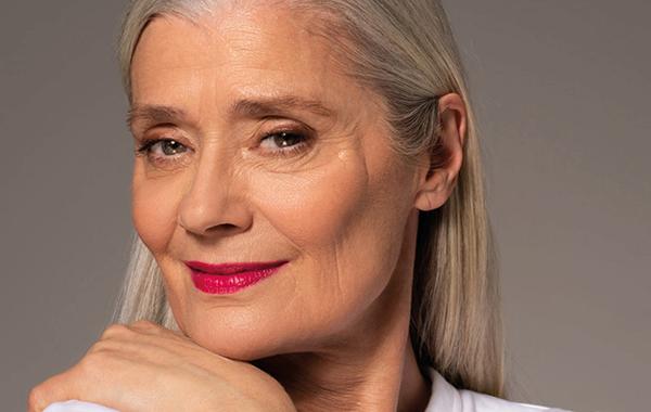 Eye makeup looks for older women