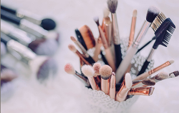 How To Keep Your Makeup Tools Clean And Hygienic