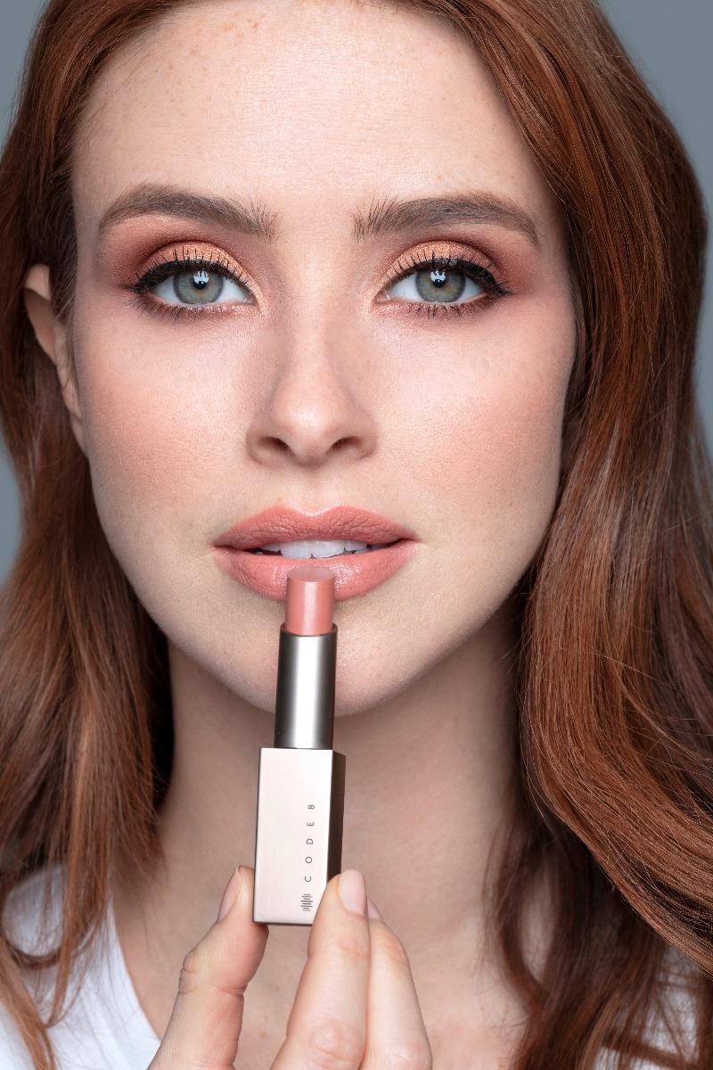 Brilliance_lipstick_portrait