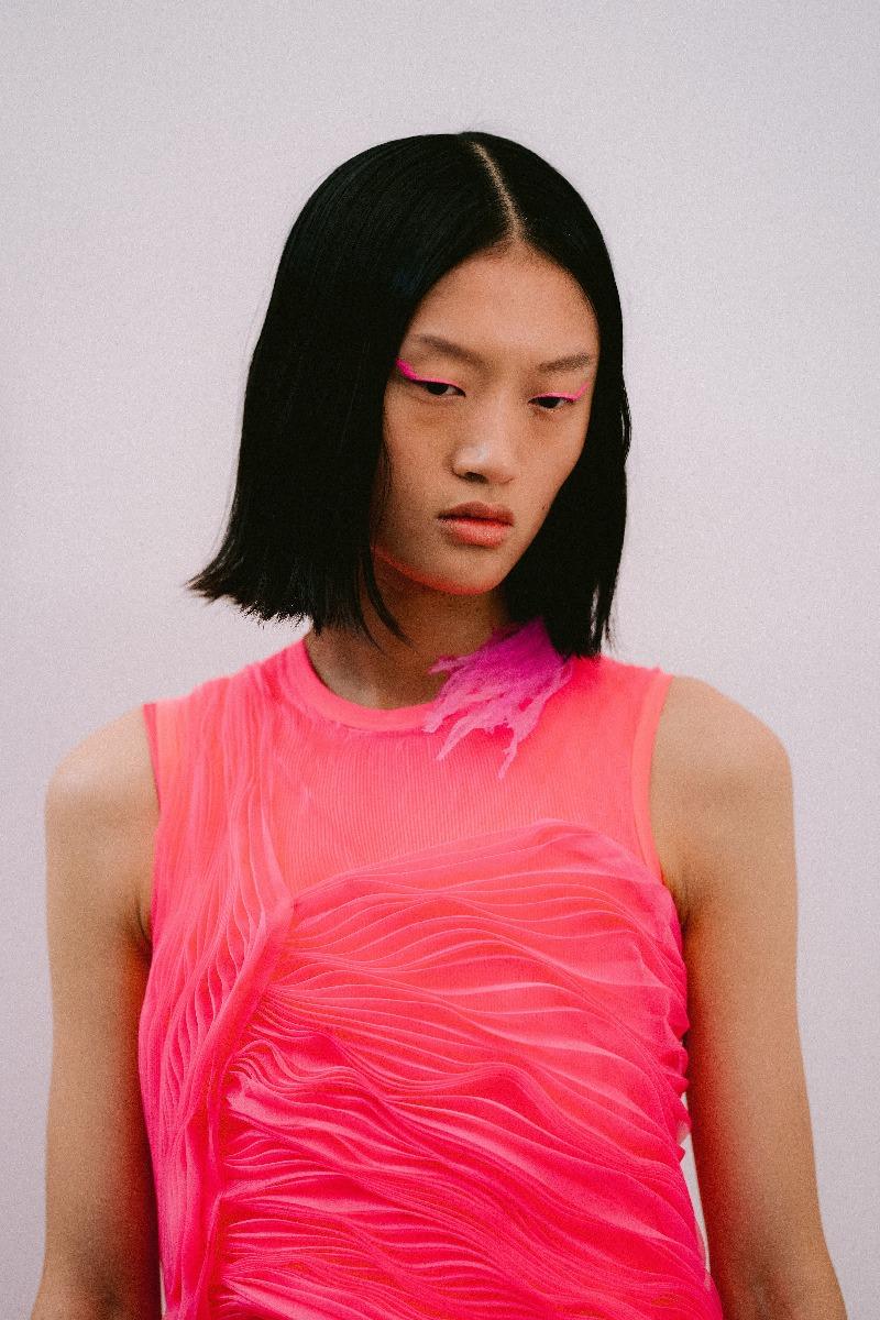 Bold Eyeliner Look - Pink