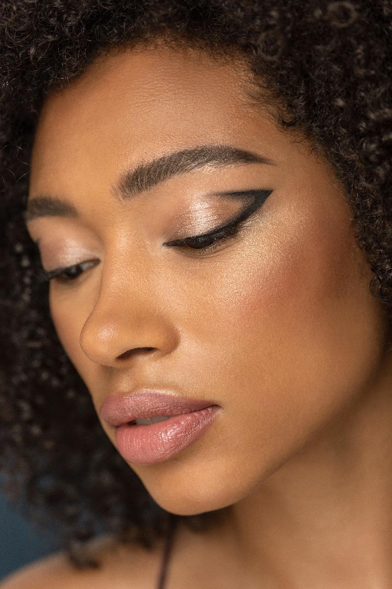 Graphic Eyeliner Trend For Summer