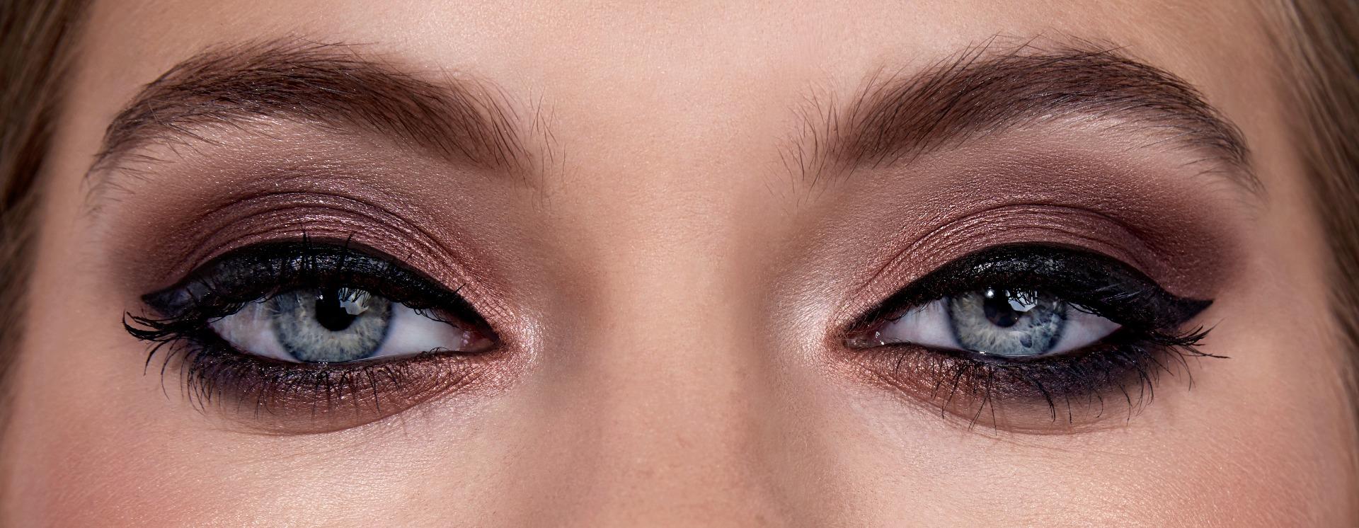 Makeup on Blonde Hair & Blue Eyes