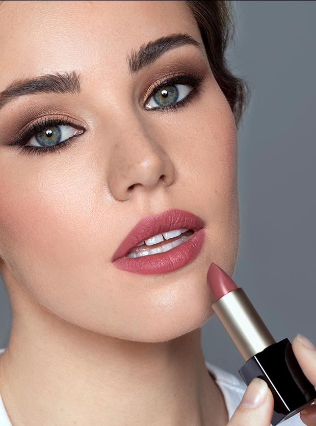 Matte Velour Lipstick From Code8