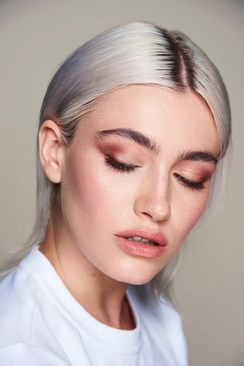 Easy Smokey Eye Look For Beginners