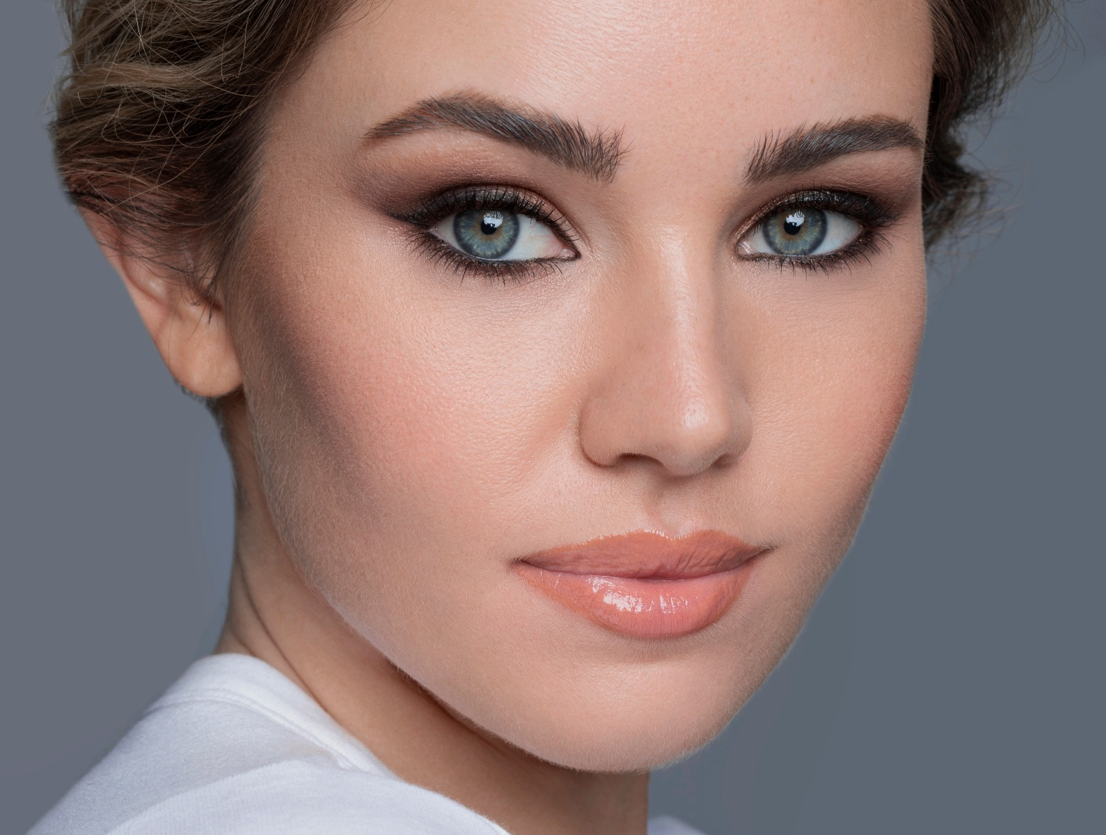 Makeup tips for a rounder face